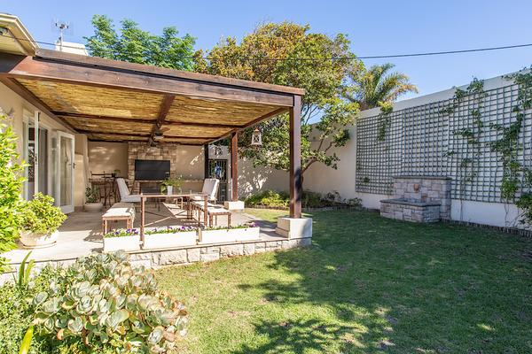 Property For Sale in Meadowridge, Cape Town