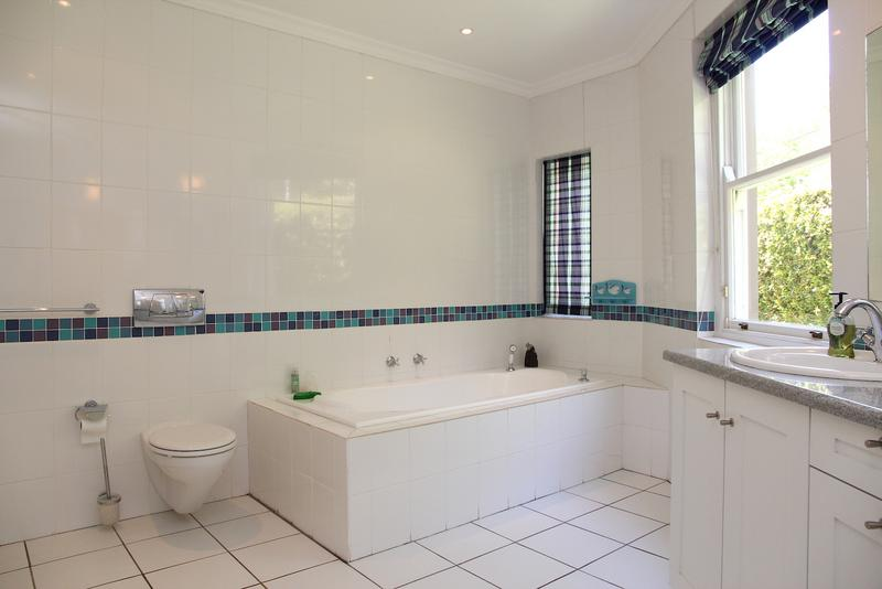 Property For Sale in Constantia, Cape Town 27