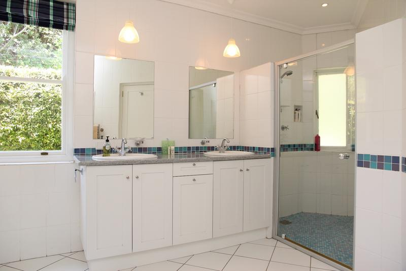 Property For Sale in Constantia, Cape Town 28