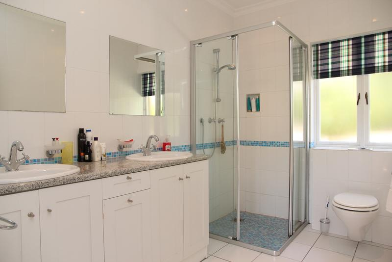Property For Sale in Constantia, Cape Town 29