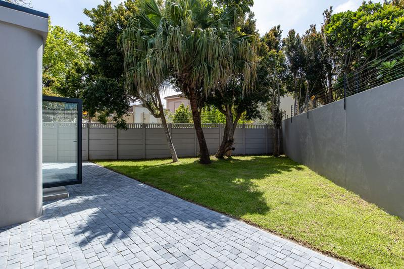 Property For Sale in Constantia, Cape Town 7