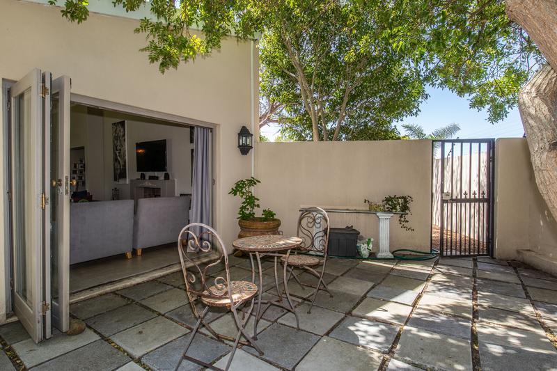 Property For Sale in Constantia, Cape Town 13