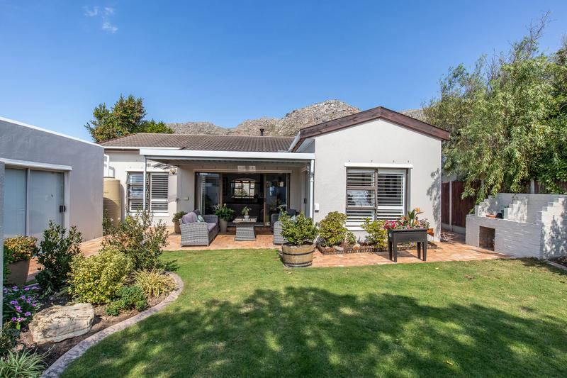Property For Sale in Lakeside, Cape Town 5